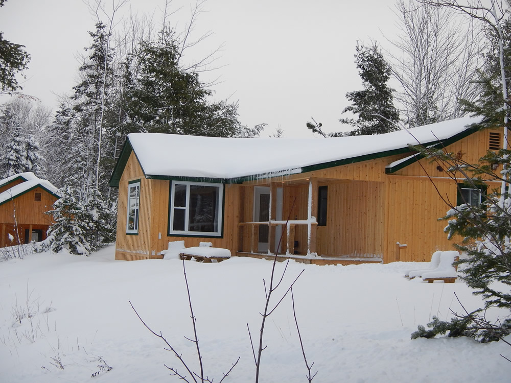 nb-snowmobile-cottage