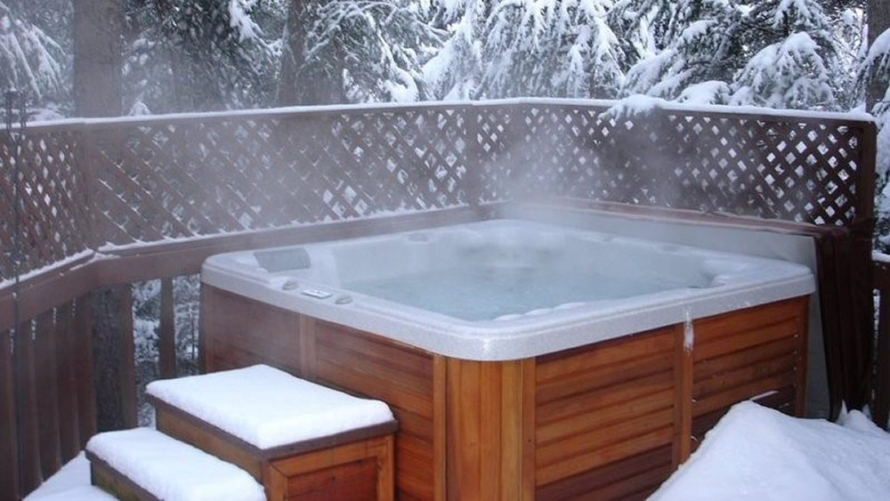 1000-hot-tub-snow